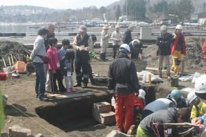 20次発掘の案内ボランティア