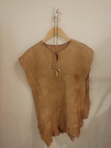 シカ革の服