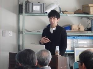 講演する市立大町山岳博物館学芸員の千葉さん